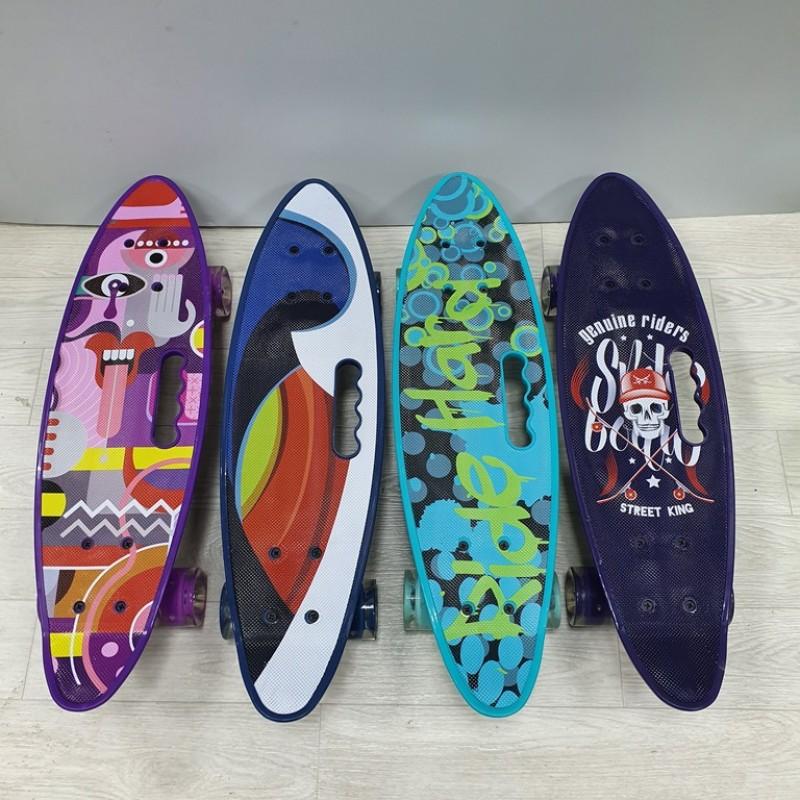 Скейтборд  М-1774-12  пластик с рисунком,колесо светящейся, колеса PU , крепления алюмин, 6 цветов (8) 60*17*10см