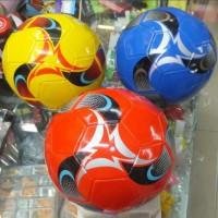 Мяч футболный SO-170908  2-х слойный цвета в ассортименте
